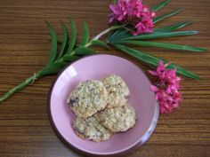 Chunky Lola cookies - pecans + chocolate + oats + coconut = the best cookie ever!