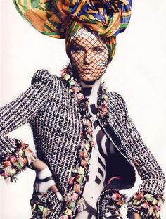 // V  : Vogue : Keith Haring / Tribal Fashion
