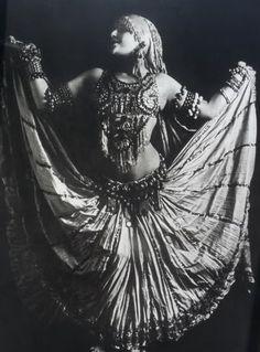 Carmen Tortola Valencia