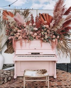 Pink piano floral installation for wedding Marie's Wedding, Floral Wedding, Wedding Bouquets, Wedding Venues, Wedding Flowers, Rustic Wedding, Wedding Nails, Wedding Things, Wedding Reception