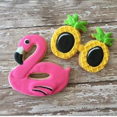I will just leave these right here. Proceed to squeal from the cuteness! Thanks @kaylynn_cakes for creating this cuteness using our cutters!!!