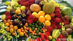Tropical Fruit Available in Puerto Rico Food For The Gods, Fruits Images, Red Fruit, Tropical Fruits, Enjoy Summer, Delicious Fruit, Farmers Market, Street Food, Puerto Rico