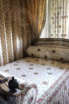 private bedchamber of marie antoinette in the petit trianon