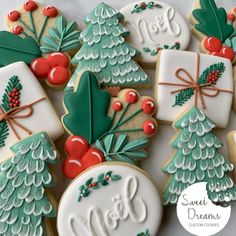 Here is another set that I will be offering this year for Christmas. I am hoping to have everything ready for you to pre-order by this… Fancy Cookies, Iced Cookies, Cute Cookies, Royal Icing Cookies, Cupcake Cookies, Cupcakes, Noel Christmas, Christmas Goodies, Christmas Treats