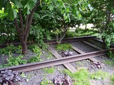 City Getaways - New York - off the beaten path: visit the High Line. Click for more NY tips.