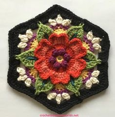 Crochet between worlds: Frida's Flowers CAL - Block 5 - Heart Rose