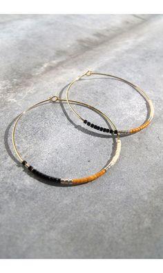 Tassia Canellis créoles noir/ocre #earrings #boucles #creoles #maxi #orange #black #bijoux #jewels #summer #tassiacanellis