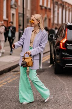 All the London Fashion Week Street Style Looks You Need to See – My ideas, my pins 2020 Autumn Street Style, Street Style Looks, Looks Style, Street Style Women, Tokyo Street Fashion, London Fashion, Style Grunge, Soft Grunge, Grunge Girl