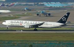 "Asiana Airlines Boeing 767-38E ""Star Alliance LogoJet"""