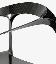 Серийный стул из карбона (2,5 кг) Plooop Chair
