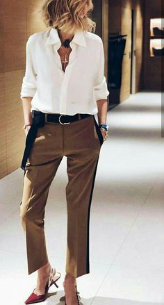 Wear to Work Outfit Ideas. Womens Casual Office Fashion ideas and dresses. Womens Work Clothes Trending in 34 Outfit ideas. Fashion Mode, Fashion Over 50, Work Fashion, Fashion Looks, Womens Fashion, Fashion Stores, Mode Outfits, Casual Outfits, Fashion Outfits