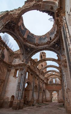 Baroque Architecture, Ancient Architecture, Beautiful Architecture, Beautiful Buildings, Beautiful Places, Abandoned Buildings, Abandoned Places, Aesthetic Wallpapers, Places To Go