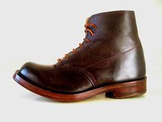 Love the stacked wood heel and welt Leather Fashion, Fashion Boots, Mens Fashion, Red Wing Shoes, White Boots, Designer Boots, Clarks, Vintage Men, Men's Shoes