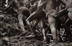 """Sebastião Salgado vive en París con su mujer, Lélia Wanick Salgado, con quien en 1994 fundó su propia agencia de fotografía, la """"Amazonas Images"""", exclusivamente dedicada a su trabajo."""