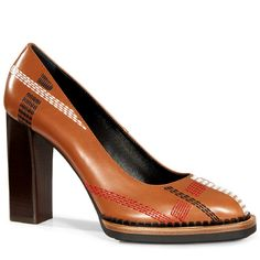 TOD'S Pumps in Leather. #tods #shoes #