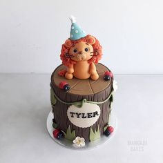 Lion birthday cake.