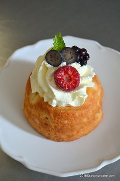 Romanian Food, Hungarian Recipes, Food Cakes, Rum, Delicious Desserts, Cake Recipes, Sweet Treats, Cheesecake, Good Food