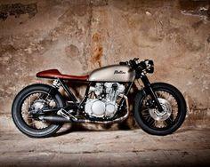 Suzuki GS550 Cafe Racer Tintin – Mellow Motorcycles