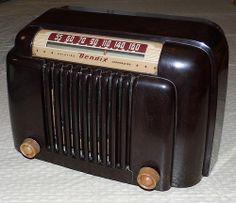 Vintage Bendix Table Radio, Model 526A, 5 Vacuum Tubes, Circa 1946.