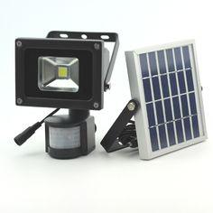 2018 NEW 2 Pack 5W Solar Powered 60 LED Security Garden Flood Light Solar