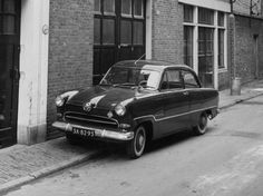 Car Ford, Small Cars, Car Ins, Wwii, Vintage Cars, Classic Cars, Automobile, Bike, Vehicles