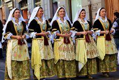 Cagliari Festa di Sant'Efisio - Costumi di Pirri  #TuscanyAgriturismoGiratola