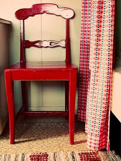 Red for the Home = Happy i luv this! quero fzr com a cadeira do Vô!