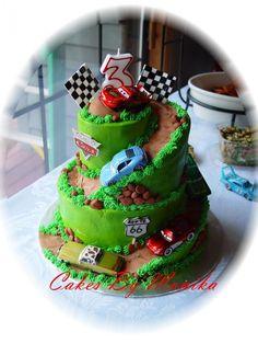 Race Car Track Cake cakepins.com