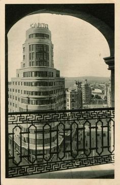 Foto Madrid, Le Palais, Time Travel, Pop Up, Chile, Art Deco, Black And White, World, Building
