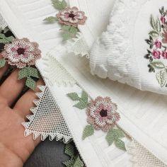 Needle Lace, Elegant Table, Napkin Rings, Tulum, Towel, Board, Instagram, Embroidered Towels, Hemline