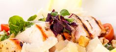 Een heerlijke Caesarsalade uit je eigen keuken, lekker gevarieerd en zo gemaakt.