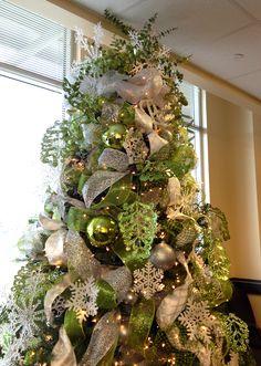 NOLLAIG - an Irish Christmas. Snowflakes and Green Christmas Tree