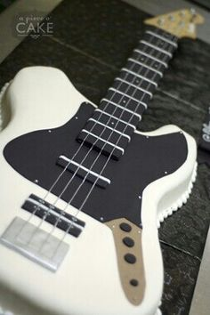 Electric Guitar Cake - but in dark red/champagne tones instead Mais Music Themed Cakes, Music Cakes, Cake Cookies, Cupcake Cakes, Cupcakes, Cupcake Ideas, Guitar Cake, Gateaux Cake, Specialty Cakes