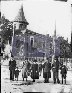 1914 - Ambelokipoi neighbourhood of Athens; Greece Pictures, Old Pictures, Old Photos, Greece Photography, History Of Photography, Modern History, Athens Greece, Travelogue, Ancient Greece