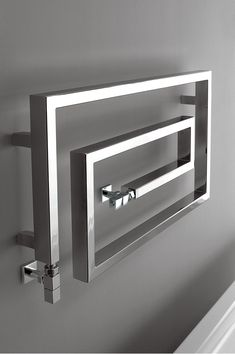 Italian designer heated towel rails in the latest bathroom towel styling. Bathroom Towel Rails, Bathroom Spa, Bathroom Interior, Master Bathroom, Designer Radiator, Towel Warmer, Heated Towel Rail, Woodworking Projects Plans, Central Heating