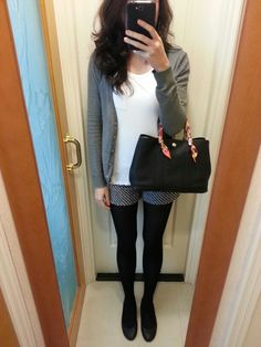 Tweed shorts, H&M T-shirt and cardigan, black tights, black leather flats, Hermes Garden Party TPM. #HermesGardenParty