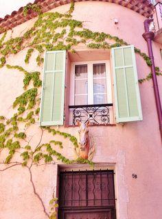 Window in Aix en Provence