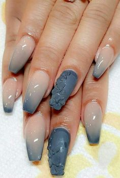 Floral dip dyed tip nails design nailart @nunis_nails