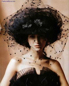 Chanel, 1987. Chanel Hat, Coco Chanel, French Fashion, Vintage Fashion, Vintage Beauty, Karl Otto, Madd Hatter, Crazy Hats, Love Hat