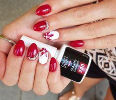 Gél lakkos körmök az új Classic 200-as színnel Fejszés Vivientől. Gel polished nails made with the new Classic 200 color from Vivien Fejszés. #pearlnails #pearlac #gellac #géllakk #gelpolish #gelpolished #gelpolishnails #rednails The New Classic, Nails, Beauty, Finger Nails, Ongles, Beauty Illustration, Nail, Nail Manicure