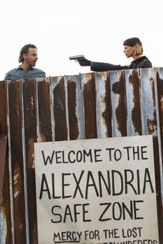 Andrew Lincoln as Rick Grimes, Pollyanna McIntosh as traiter Jadis holding a gun on Rick. - The Walking Dead Season 7 Finale, Episode 16 'The First Day of the Rest of Your Life' - Photo Credit: Gene Page/AMC Walking Dead Memes, Walking Dead Season, Fear The Walking Dead, Rick Grimes, Daryl Dixon, Christian Serratos Instagram, Norman Reedus, Zombie Life, Just Keep Walking