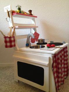 Eine Kinderküche aus einem alten Stuhl…