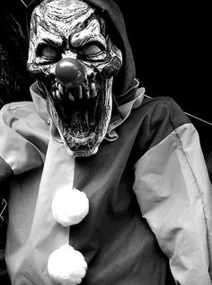 weheartit - original: Zombie Clown Prop 2 by Blade-of-the-Moon on DeviantArt Clown Scare, Scary Clown Face, Freaky Clowns, Clown Faces, Evil Clowns, Creepy Stuff, Insane Clown, Clown Mask, Scary Things
