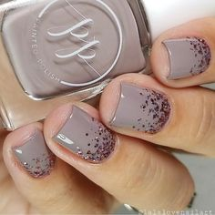 'Stamped in Taupe + Rosé Rendezvous' glitter gradient by @lalalovenailart! ✨