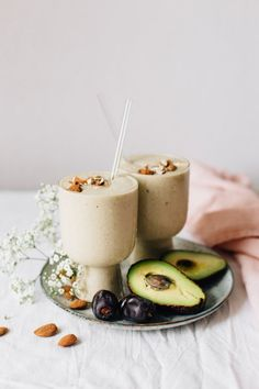 Packed with good-for-you ingredients like almond butter and fresh dates, this creamy Avocado & Almond Butter Smoothie will nourish you inside and out! Healthy Green Smoothies, Apple Smoothies, Breakfast Smoothies, Healthy Drinks, Healthy Snacks, Healthy Recipes, Vegetarian Smoothies, Vegan Snacks, Free Recipes