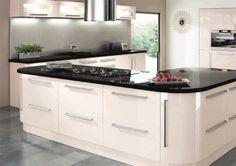 Cream high gloss kitchen ideas - with contemporary cabinets Cream Kitchen Units, Cream Kitchen Cabinets, High Gloss Kitchen, Cream Kitchens, Cream Gloss Kitchen Decor, Cream Cupboards, Fitted Kitchens, Kitchen Worktops, Moraira