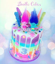 Cake with olives and feta - Clean Eating Snacks Funny Birthday Cakes, Trolls Birthday Party, 5th Birthday Party Ideas, Troll Party, Girl Birthday Themes, Birthday Desserts, 2nd Birthday, Princess Poppy Birthday Cake, Doodle Cake