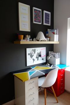 IKEA Hackers: Making a new desk out of old birch Lack shelf and the Helmer drawer units