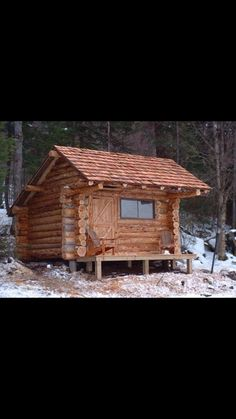 Building A Small House, Small Tiny House, Tiny House Cabin, Cabin Homes, Log Homes, Log Cabin Living, Small Log Cabin, Cabins And Cottages, Log Cabins