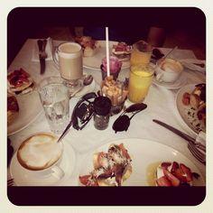 Nice in Parkhurst ~~> amazing breakfast 'baskets'